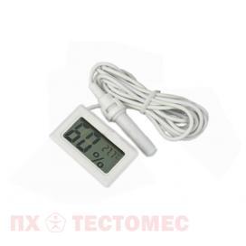 Фото измерителя влажности и температуры в инкубаторе